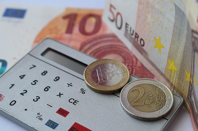 Pozor na podvodníky aneb jak snadno poznat, od koho si půjčit?